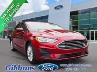 Clean CARFAX. 2019 Ford Fusion Hybrid SE Well equipped