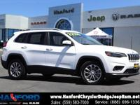 White 2019 Jeep Cherokee Latitude Plus FWD 9-Speed