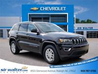 2019 Jeep Grand Cherokee Laredo Diamond Black Crystal