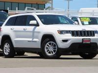 Clean CARFAX. Bright White Clearcoat 2019 Jeep Grand