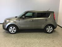 Kia Soul Grey FWDCARFAX One-Owner. Clean CARFAX. 26/31