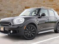 This 2019 MINI Cooper S Countryman has an original MSRP
