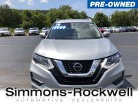 Scores 32 Highway MPG and 25 City MPG! This Nissan