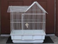 Used bird cage with excellent condition. Medium size.