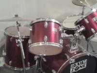 Drum set has 6 drums, 3 cymbals, including a Sabian and