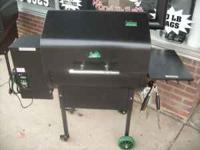 Used Daniel Boone pellet smoker / BBQ. This was traded