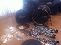 Used Pearl EX 5 piece Drumset with hardware, cymbals,