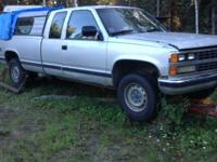 89 chevy, 2500 350 5 speed manual tranny 4x4 runs good