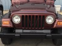 2001 JEEP WRANGLER.   SOFT TOP.  RUNS GREAT.  USED AS