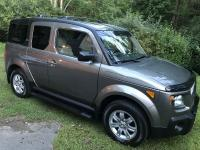 2007 Honda Element EX AWD with crossbars, and