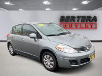 2009 Nissan Versa Magnetic Gray 1.8 S CLEAN CARFAX,