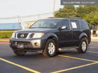 We are excited to offer this 2010 Nissan Pathfinder.