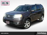 Sun/Moonroof,Leather Seats,3rd Row Seat,Bluetooth