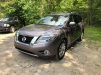 JUST TRADED AND SHARP LOOKING SUV ON THIS 2014 NISSAN