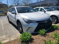 **1 OWNER CLEAN CARFAX, **BACKUP CAMERA, **MOONROOF,