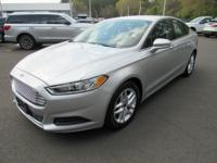 2016 Ford Fusion SE FWDBLUETOOTH, POWER PACKAGE, CLEAN