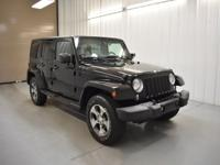 Black Clearcoat 4WD 2016 Jeep Wrangler Unlimited