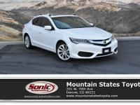 Come see this 2017 Acura ILX w/Technology Plus Pkg. Its