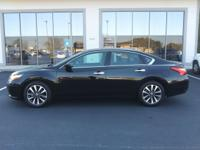 2017 Nissan Altima 2.5 SV Super Black Clean CARFAX.