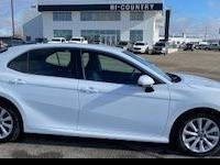 White 2017 Toyota Camry FWD 6-Speed Automatic 2.5L I4