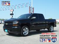 Come see this 2018 Chevrolet Silverado 1500 Custom. Its