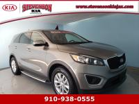 Scores 28 Highway MPG and 21 City MPG! This Kia Sorento
