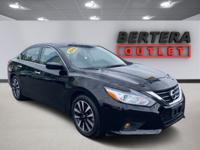 2018 Nissan Altima Super Black 2.5 SV Rear Backup