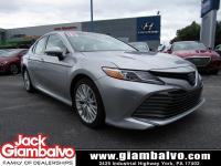 2018 TOYOTA CAMRY HYBRID XLE ...... ONE LOCAL OWNER