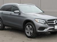 2019 Mercedes-Benz GLC 300 4MATIC beautiful rig,