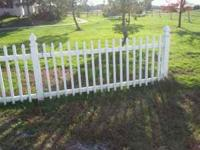USED WHITE VINYL PICKETT FENCE SECTIONS - 8 FT