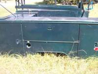UTILITY BED FOR A SINGLE WHEEL TRUCK. HAS MANY