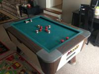 Valley Bumper pool table in good condition the felt