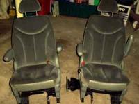 VAN SEATS FOR A DODGE GRANDCARAVAN 2 SECOND ROW BUCKET