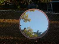 4 Sale Vanity/Dresser Mirror Asking $5 Mirror does Have