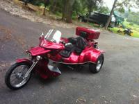 1999 TRIKE, RED MEDAL FLAKE, BEAUTIFUL, DISC BRAKES