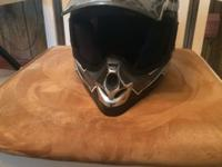 Vega Mojave Jr. Motorcycle Helmet size small. Like new-