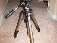 Velbon Chaser EFL-4 Tripod and PH-157Q Quick-Release