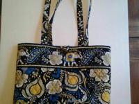 "Vera Bradley ""ELLIE BLUE"" pattern carry bag with button"