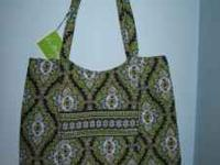 NWT Vera Bradley Totoe in the Cambridge pattern. Very