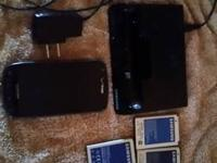 Verizon Samsung Droid Charge smartphone, comes with
