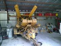 44 inch Vermeer Tree Spade. Great Condition. Picture