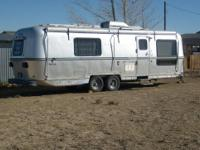 1987 Avion Travel trailer, in great shape. 27' Box