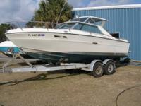Very Nice 22srv Sea Ray this boat is in unbelievable