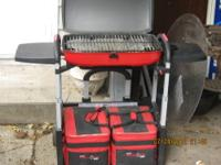IM SELLING MY CHARBROIL PORTABLE GAS GRILL.ITS LIKE