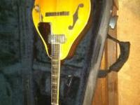 Very nice conqueror mandolin In a super nice mad