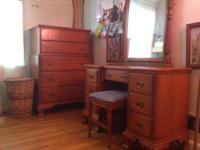 Very nice matching antique maple 6 piece wooden bedroom