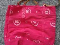 Victoria's Secret PINK bag in very good condition. If