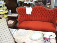 Beautiful Red Victorian Sofa...........Stunning!Check