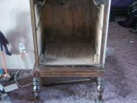 Victrola Cabinet  Refurbish  Legs need to be fixed they