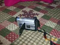 JVC DIGITAL COMPACT VIDEO CAMCORDER.. 700X DIGITAL